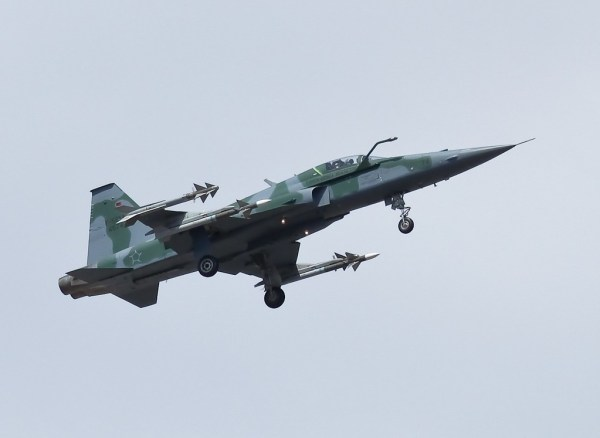 F-5EM-Python-4 (Rafael Lopes) 1