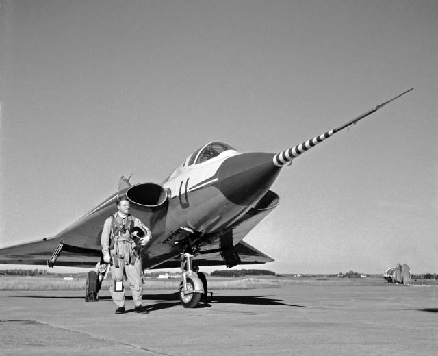 Saab-35-Draken-Prototype