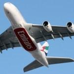 Maior aeronave comercial do mundo, Airbus A380, da Emirates, aterrissa no Brasil