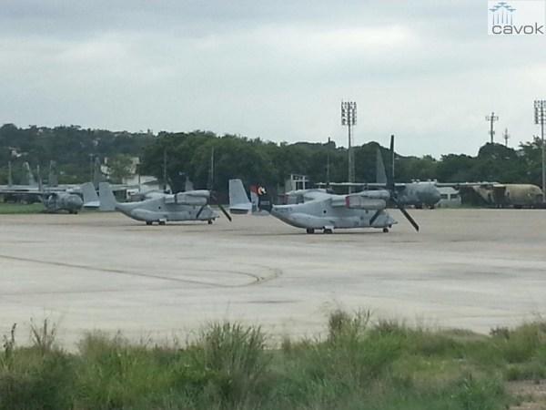 Duas aeronaves MV-22 Osprey, vistas na Base Aérea do Galeão, RJ.