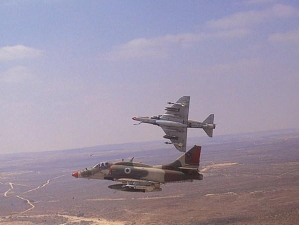 AIR_A-4N_Skyhawks_Israeli_lg