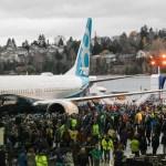 IMAGENS: Boeing apresenta o primeiro 737 MAX