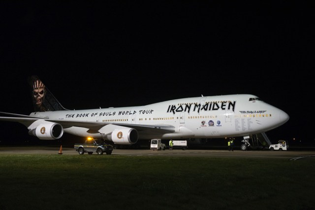 iron-maiden-boeing-747-400-jumbo-ed-force-one-2016-book-of-souls-3