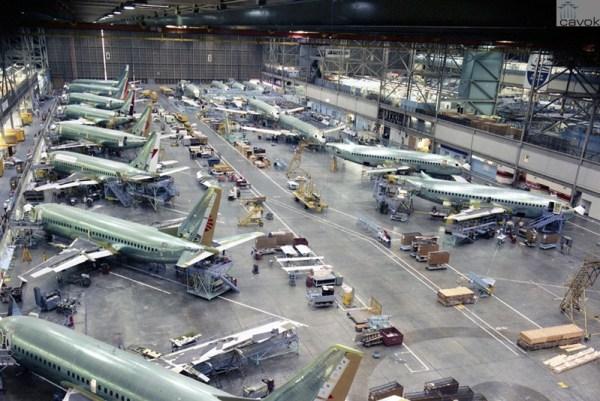 Em meados dos anos 80 a produção de 737s em Renton.