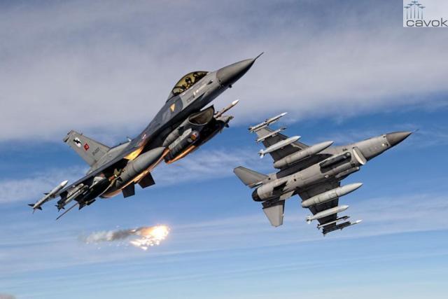 F 16 Força Aérea da Turquia THK 1 - Turquia e forças da coalizão atacam Estado Islâmico na Síria