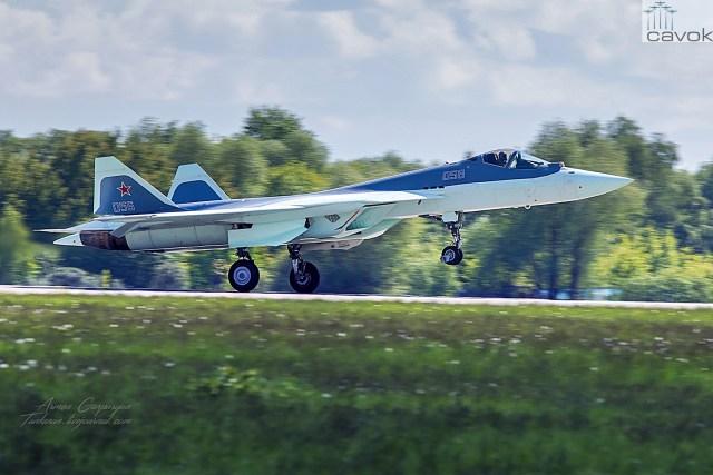 Sukhoi T-50-6-2 PAK FA (6º protótipo de voo) / © Armen Gasparyan