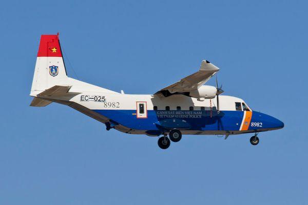 Uma aeronave CASA C-212-400, similar a que caiu no Vietnã nesta sexta-feira de manhã. (Foto: Jumbero, via Wikipedia)