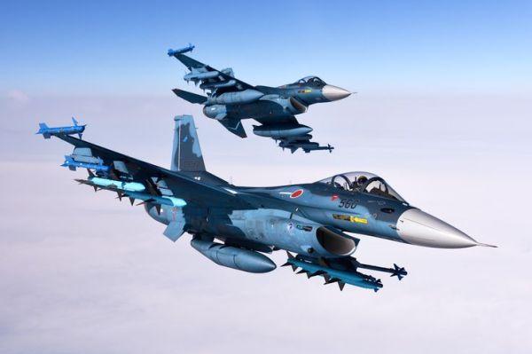 O caça Mitsubishi F-2, a versão do F-16 no Japão. (Foto: Satoshi Akatsuka)