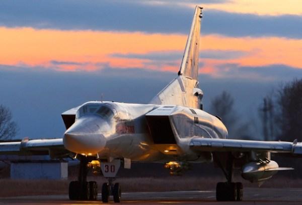 Bombardeiros russos Tu-22M3 decolaram da Rússia para atacar alvos na Síria.