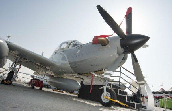 A Embraer está expondo o Super Tucano no Farnborough International Airshow.