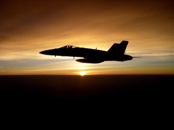 Um caça F/A-18C Hornet. (Foto: U.S. Marine Corps)
