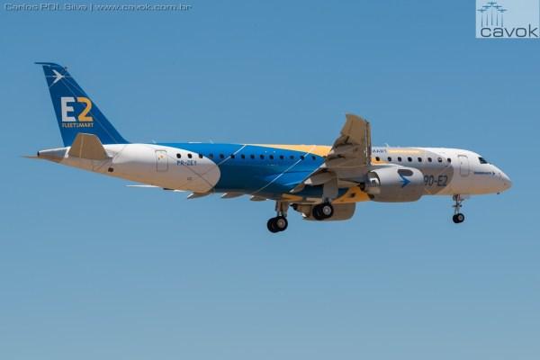 Até momento são duas aeronaves E190-E2 que estão na fase de testes de voo. (Foto: Carlos PDL Silva / Cavok)