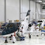 FARNBOROUGH: Linha de produção do HondaJet recebe Certificado de Produção da FAA