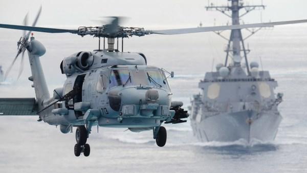 Um helicóptero Sikorsky SH-60F Se Hawk em operação com a Marinha dos EUA. (Foto: U.S. Navy)