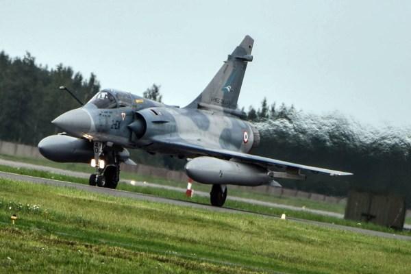 Os caças franceses assumiram a missão da OTAN pela primeira vez em 2007. (Foto: Ministério de Defesa da Lituânia)