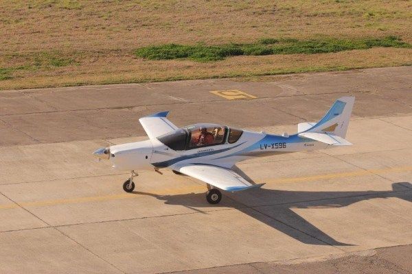 IMG 5414 1024x683 600x400 - FAdeA realiza com sucesso primeiro voo do treinador IA-100