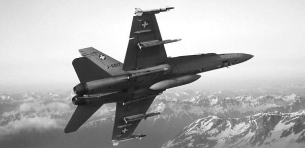 Caça F/A-18C Hornet da Força Aérea da Suíça caiu no dia 29 de agosto. (Foto: Força Aérea da Suíça)