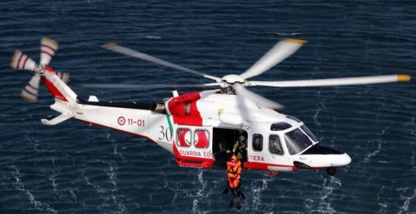 Um dos helicópteros Leonardo (AgustaWestland) AW-139 em operação com Guarda Costeira da Itália.