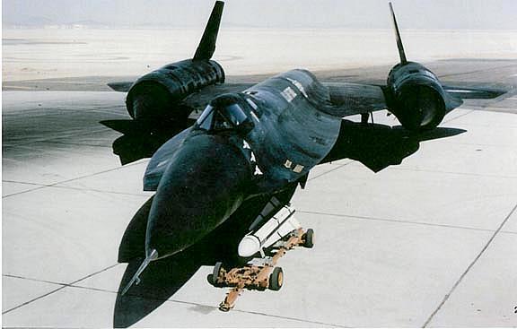 A ideia da Lockheed era armar o YF-12 com um míssil nuclear.