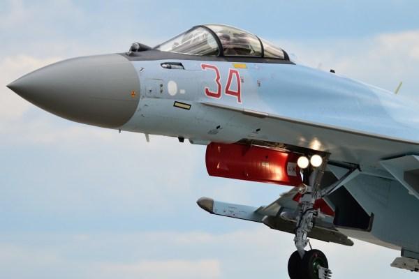 A China vai receber este ano os quatro primeiros caças Su-35 da Rússia. (Foto: Ilya Savinykh / Russian Planes)