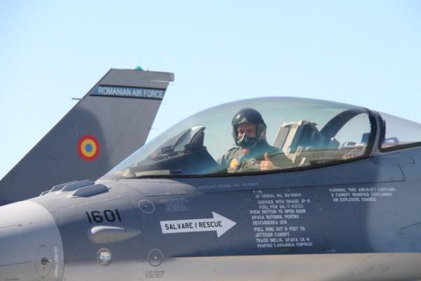 Os primeiros seis caças F-16C/D MLU M5.2 entregues para Romênia fazem parte de um acordo assinado com a Força Aérea Portuguesa. (Foto: Romanian MoD)