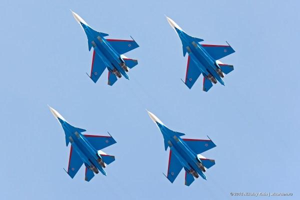 Os quatro caças Su-30SM já recebidos pelos Russian Knights realizaram o primeiro voo de treinamento em Kubinka.