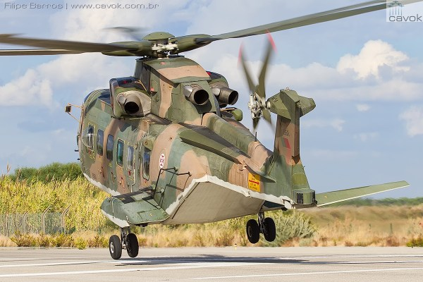 """Operação dos helicópteros AW101 da Esquadra 751 """"Pumas"""". (Foto: Filipe Barros / Cavok)"""