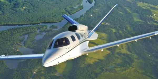 O jato executivo pessoal Cirrus Vision Jet foi certificado pela FAA. (Foto: Cirrus Aircraft)