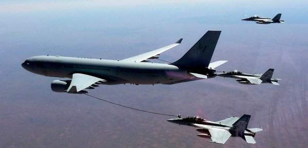 Aeronaves KC-30A estão atualmente envolvidas em operações no Oriente Médio. (Foto: EPA / AUSTRALIAN DEPARTMENT OF DEFENCE / SGT ANDREW EDDIE)