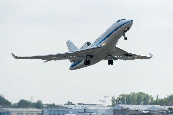 O primeiro jato executivo Falcon 8X entregue para a operadora grega Amjet. (Foto: Dassault Aviation / P. Stroppa)