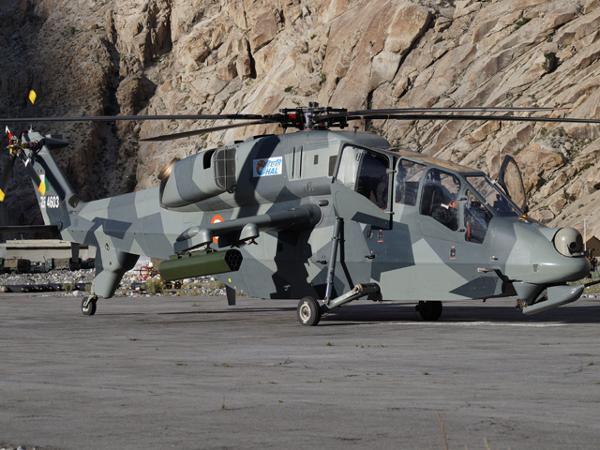 A HAL iniciou a integração de armas no seu helicóptero de combate leve (LCH) durante testes em Leh.
