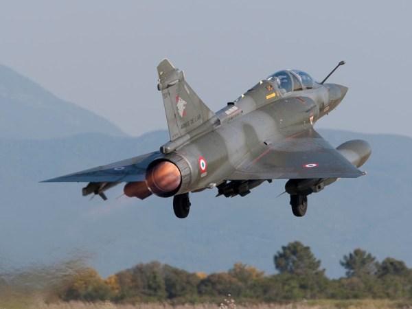 Decolagem de um Mirage 2000D do esquadrão 3/3 ardenne de Nancy. (Foto: Armée de L'Air)