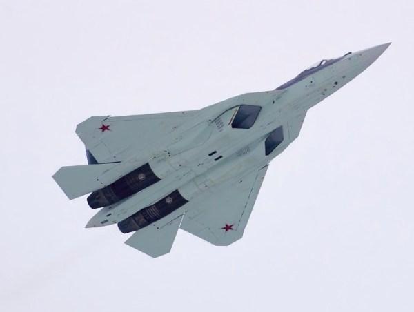 O nono protótipo do PAK FA T-50 deve realizar o primeiro voo ainda essa semana.