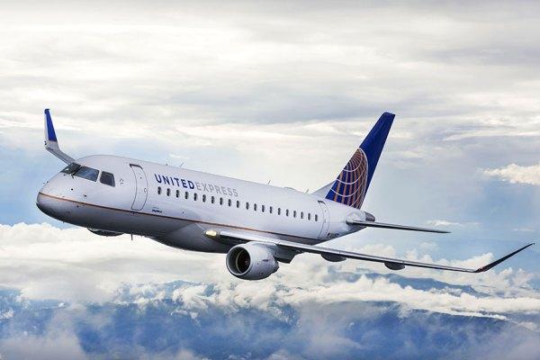 Um Embraer 175 nas cores da United Express. (Foto: Embraer)