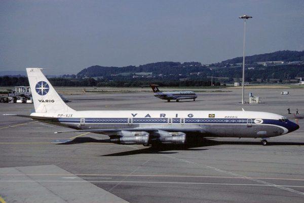 """Outra imagem do Boeing 707 """"PP-VJX"""", conhecido como """"Expressinho Cubano"""""""