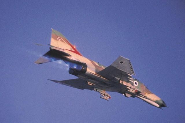 F 4 7 - Guerra do Yom Kippur: SAM x Phantom