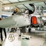 Saab apresenta réplica e simulador do Gripen NG na LAAD 2017