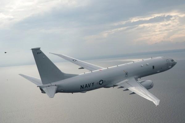 111013 N CE233 010 high res 600x400 - Boeing recebe contrato de US$ 2,2 bi para 17 aeronaves P-8 para EUA, Austrália e Reino Unido