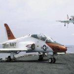 Marinha dos EUA limita o T-45 para voar só até 1.500 metros