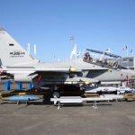 PARIS AIR SHOW: Leonardo apresenta o jato de combate M-346FA
