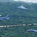 AIRVENTURE: Bombardeiros B-2, B-1 e B-52 realizarão inédito voo em formação