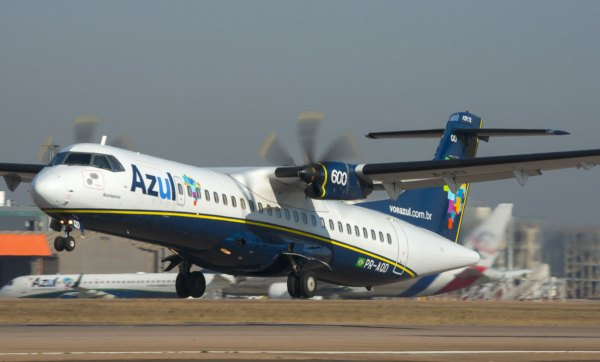 ATR72 azul 011 600x362 - Para otimizar frota Azul vende 10 ATR 72-600s para NAC