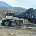 IMAGENS: Fuselagem de F-117 segue de caminhão por rodovia nos EUA