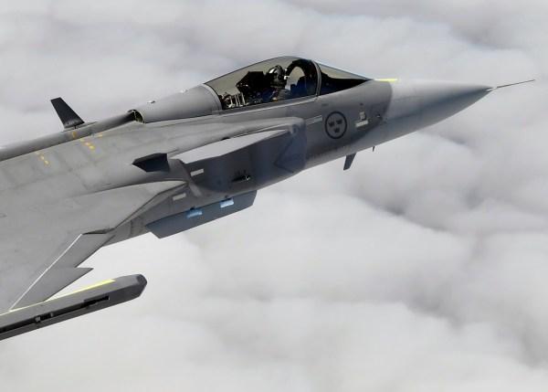 20171218 en 2768077 1 600x429 - Saab assina novo contrato relativo aos equipamentos Gripen E
