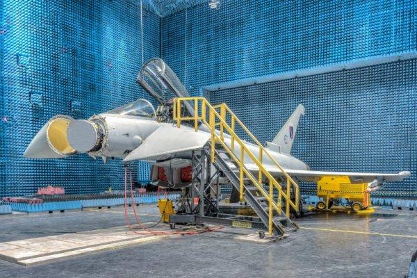 DQwZkaBV4AAFNTf 600x400 - Começa a produção e montagem dos primeiros Eurofighters para o Kuwait