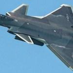 Caças J-20 chineses estariam realizando treinamento operacional na região do Tibete