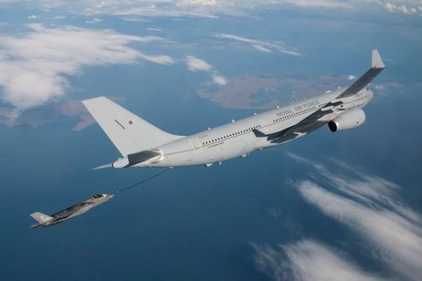 RAF Voyager refuels UK F35 600x400 - IMAGENS: Caças F-35B da RAF realizam primeiros reabastecimentos com aeronaves A330MRTT Voyager