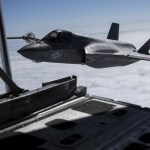 VÍDEO: Caças F-35B do USMC reabastecidos em voo sobre o Mar da China Oriental