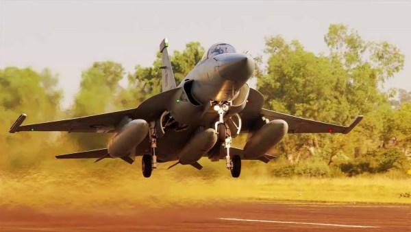 JF 17 Thunder PAC 600x338 - Paquistão aprova venda de três jatos JF-17 para Nigéria