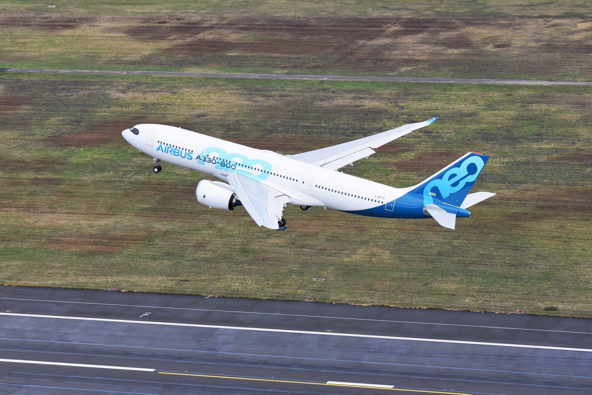 Resultado de imagen para a330-800neo inaugural flight